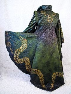 Winifred Sanderson Hocus Pocus Witch Costume by CostumeCollective