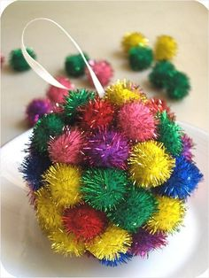 Winter Crafts for Children: 20 Easy Ideas! -- Definitely going to do the Scrap-Happy balls (Pic 17)