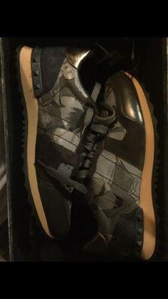 New Men's Valentino Sneaker Size 8