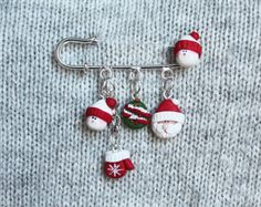 Christmas Brooch - Christmas Jewellery - Handmade Jewellery - Secret Santa Gift - Handmade Brooch - Christmas Gift - Gift for Her