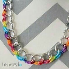 Crochet Necklace: Curb Chain B.Hooked Crochet: Curb Chain Necklace – free crochet pattern plus LEFT & RIGHT Handed videos. Wire Jewelry, Jewelry Crafts, Jewelery, Handmade Jewelry, Jewelry Ideas, All Free Crochet, Learn To Crochet, Single Crochet, Crochet Bracelet