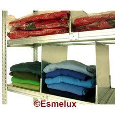 Estanterías metálicas para almacenar ropa, con separadores metálicos en los estantes. Le permiten organizar y clasificar para total aprovechamiento del espacio. http://www.esmelux.com/galeriaImgs.php?gl=7