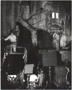 Vincent Price behind the scenes of The Pit & The Pendulum (1961)