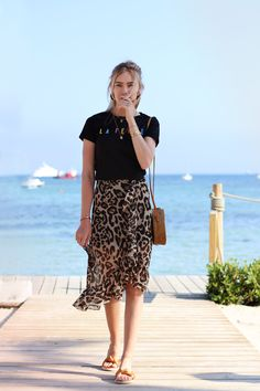 Long ruffle leopard skirt - Brown | My Jewellery Printed Skirt Outfit, Leopard Skirt Outfit, Leopard Print Outfits, Leopard Print Skirt, Animal Print Skirt, Long Skirt Outfits, Summer Dress Outfits, Spring Outfits, Ootd Fashion