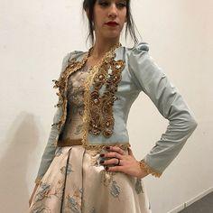 #kawthertissus #tissus #caftan #badroun #soie #hautecouture #robe #karakou #dentelle #mousseline #satin #alger #algerie #brocar #pailleté #mariage #soiree #fiancé #fiançailles #blouza #djabba #tull #perlee #fashion #beauty #chic #algerienne