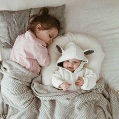 Cute Little Baby, Baby Kind, Cute Baby Girl, Little Babies, Cute Babies, Baby Boy, Beautiful Children, Beautiful Babies, Sibling Photography