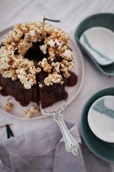 Nutella-Bananen-Kuchen mit Karamell-Popcorn
