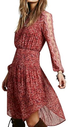 Free shipping and guaranteed authenticity on Free People Open Waters Charlotte Mid-length Short Casual Dress Size 2 (XS)Floral printed chiffon midi dress with a smocked e...