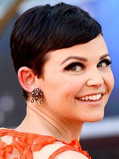 GINNIFER GOODWIN at the Emmy's.