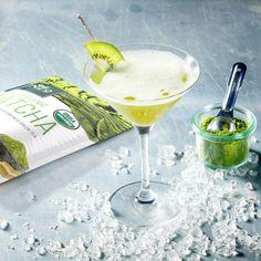 Shaken not Stired with Enzo's Matcha Martini #enzomatcha enzomatcha.com/product/matcha-green-tea/