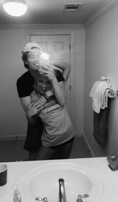 80 Romantic Relationship Goals All Couples Desire To Have - Page 23 of 80 - Nail. - 80 Romantic Relationship Goals All Couples Desire To Have – Page 23 of 80 – Nail Effect - Cute Couples Photos, Cute Couple Pictures, Cute Couples Goals, Couple Pics, Couple Things, Romantic Couples, Romantic Boyfriend, Couple Texts, Couple Stuff