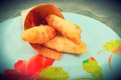 La tempura di gamberi è un piatto tipico della tradizione giapponese ma divenuto presto apprezzato in tutto il mondo grazie alla sua irresistibile panatura croccante e leggera che ha conquistato tutti i palati.