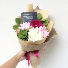 Happy mother's day to all wonderful mom in the world  . . #mothersday #flower #wedding #bouquet #florist #feltflower #feltflorist #feltbouquet #feltsunflower #bungaflanel #bungaflaneljogja #bungawisuda #bungawisudajogja #bungajogja #bouquetbunga #bouquetjogja #bungakertas #paperflower #buketbunga #makersgonnamake