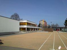 Betonbank DeLuxe Antraciet bij Rupert Mayer Schule in Spaichingen