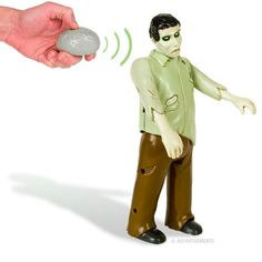 Remote Control Zombie Figure New Walking Dead RC Toys Undead Accoutrements Zombie Brains, Zombie Gifts, Weird Toys, Zombie Walk, Zombie Zombie, Dead Zombie, Funny Toys, Remote Control Toys, Zombie Apocalypse