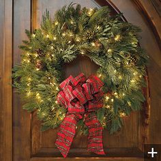 Lit Holiday Wreath