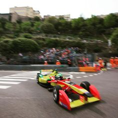 "FORMULA E (@fiaformulae) en Instagram: ""@lucasdigrassi coming through the famous Anthony Noghes corner to close his lap. #FormulaE…"" Corner, Bmw, Cars, Instagram Posts, Collection, Formula E, Autos, Vehicles, Automobile"
