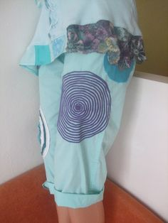 kalhoty S Leny design Plátěnky Velikosti S/M Tyrkysové 3/4-ŤÁKY Laundry, Organization, Facebook, Design, Decor, Art, Laundry Room, Getting Organized, Art Background