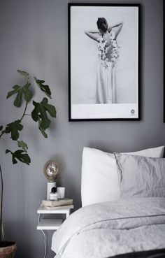 Mid-Century Bedroom Decor Tips & Tricks to Make This Bedroom Decor Last You Seasons and Seasons. Decorating a bedroom decor might be one of the biggest hardship Cozy Bedroom, Dream Bedroom, Bedroom Decor, Bedroom Sets, Bedroom Wall, Bedroom Furniture, Master Bedroom, Furniture Design, Minimalist Bedroom