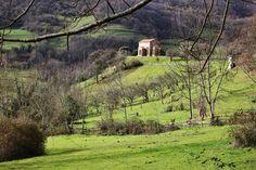 http://guias-viajar.com/ Iglesia prerrománica de Santa Cristina de Lena en Asturias
