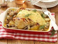 Brathähnchen mit Käse überbacken ist ein Rezept mit frischen Zutaten aus der Kategorie Hähnchen. Probieren Sie dieses und weitere Rezepte von EAT SMARTER!