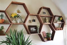 Honeycomb Shelves | These living room shelving ideas will give you maximum storage space no matter how big or small the room. Get your dose of DIY inspiration today!
