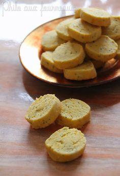Petits sablés au safran, parmesan & graines de pavot