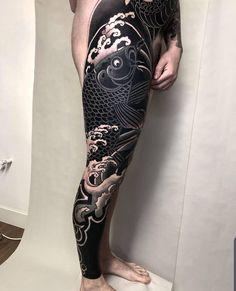 Japanese Leg Tattoo, Japanese Tattoo Designs, Japanese Sleeve Tattoos, Irezumi Tattoos, Leg Tattoos, Body Art Tattoos, Solid Black Tattoo, Black White Tattoos, Geometric Tattoo Cover Up