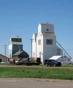 Iconic Grain Elevators, Stettler, Alberta, Canada | Flickr - Photo Sharing! Canadian Prairies, Team Building Exercises, Train Journey, Building Structure, Old Barns, Alberta Canada, Small Towns, Abandoned, Trains