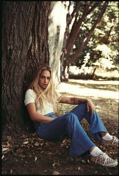 Jemima Kirke of 'Girls' Stars in Current/Elliott's Dreamy Spring Campaign - Fashionista