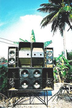Sound Lights: Retro speakers would add to the theme and could be set up for a Jamaican band Dancehall Reggae, Reggae Music, Reggae Style, Music Flyer, Audio, Sound Of Music, Pop Music, Dance Hall, Musical
