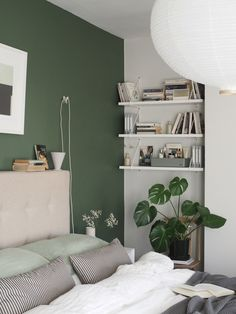 A simple, soothing, botanical green bedroom makeover - the reveal! Green And White Bedroom, Green Bedroom Walls, Green Master Bedroom, Bedroom Wall Colors, Green Rooms, Small Room Bedroom, Room Ideas Bedroom, Home Decor Bedroom, Small Rooms