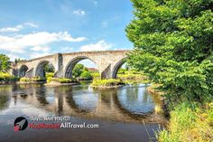 Great taster of Scotland – day tour combining the beauty of Loch Lomond & the Trossachs Park with the turbulent history of Stirling Castle & the grand Kelpies. Bridges Architecture, Architecture Photo, Coach Tours, Stirling Castle, Scotland Holidays, Loch Lomond, National Treasure, Scottish Highlands, Day Tours