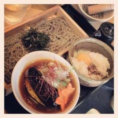 [つけ蕎麦*2012/04/15]    野菜つけ蕎麦&TKG(♡˙︶˙♡)      TKGは分け合って食べましてん      @つけ蕎麦 安土