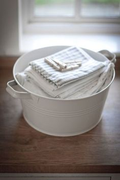 wash tubs and cloth napkins