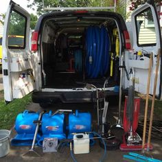 Chevy Express 2500, equiped with all the tanks and tools.