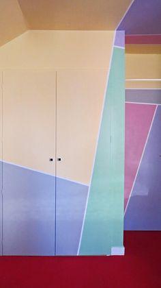 Vaporwave Room: Geometric Walls inspired by Memphis design. 1980s Interior, Colour Architecture, 1980s Design, Memphis Design, Geometric Wall, Wall Treatments, Interiores Design, Interior And Exterior, Interior Doors