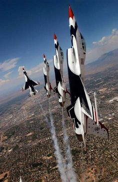 Air Force Thunderbirds Demonstration Team performing in Falcons Us Fighter Jets, Fighter Pilot, Fighter Aircraft, Aircraft Images, Aircraft Pictures, In China, F 16 Falcon, Us Military Aircraft, Thunderbirds Are Go