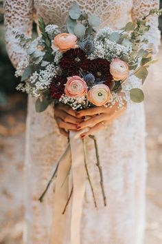 Blush garden roses with burgundy mums and baby's breath | Image by Jes Workman