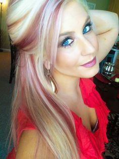 38 Pops of Purple Hair Color Ideas You Have to See - chic better Hair Streaks Blonde, Red Balayage Hair, Blonde Highlights, Hair Color Purple, Cool Hair Color, Creative Hair Color, Color Red, Colour, Corte Bob