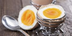 """Nutritional Value: Egg White Versus Egg Yolk -  """"Nutritional Value Of Egg White Egg white is fat-free, low in calories and is a rich source of protein. Egg white is also loaded with sodium, potassium, phosphorus, magnesium and calcium.  Benefits Of Egg White  Weight loss is the major reason for choosing egg white and avoiding the yolk. Egg ... - http://wp.me/p7iYB0-2Wr -"""