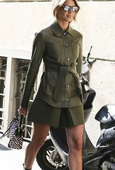 Helena Bordon army green in Fendi Street Chic, Street Style, Italian Street, Spring Summer Trends, Army Green, Fendi, Military Jacket, Trousers, Things To Come