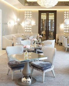 Hotel's get a 10/10 for #luxuryinteriors! The luxurious #velvet #chairs & dazzling lights bring so much charm & pomp into the space. This lovely #dining area calls for a perfect evening with some of the finest meals out there. This is a part of the Collins #room at @the_berkeley  shared via @lamarelondon  #hotelinteriors #tables #hotel #interiors #interiordesigning #inspo #inspiration #stylinginspo #styling #interiordesign #design #decor #art #lights #furniture