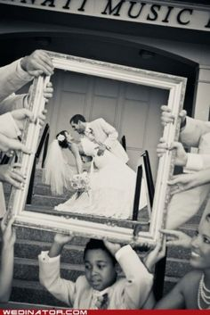 wedding photo idea,  Go To www.likegossip.com to get more Gossip News!