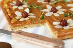 mazurek kajmakowy Polish Desserts, Polish Recipes, Polish Food, Healthy Dishes, Food Dishes, Polish Easter, Easter Holidays, Creative Food, Sweet Recipes