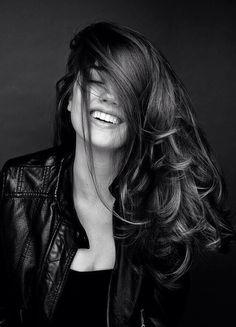 The look of joy Portrait Portrait Photography Poses, Photography Poses Women, Photo Poses, White Photography, Fashion Photography, People Photography, Fotografie Portraits, Portrait Studio, Black And White Portraits