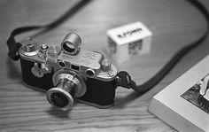 Leica M, Leica Camera, Camera Lens, Old Cameras, Vintage Cameras, Camera Sketches, Leica Photography, Wonderful Machine, Classic Camera