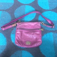 Fossil bag Used condition some marks but still a great small cross body bag Fossil Bags Crossbody Bags