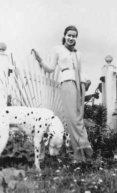 Edie Bouvier Beale e il suo dalmata... ovvero la mamma di Jacqueline Bouvier Kennedy Onassis