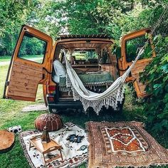 Bus Life, Camper Life, Campers, Mundo Hippie, Places To Travel, Places To Go, Kombi Home, Van Home, Van Living